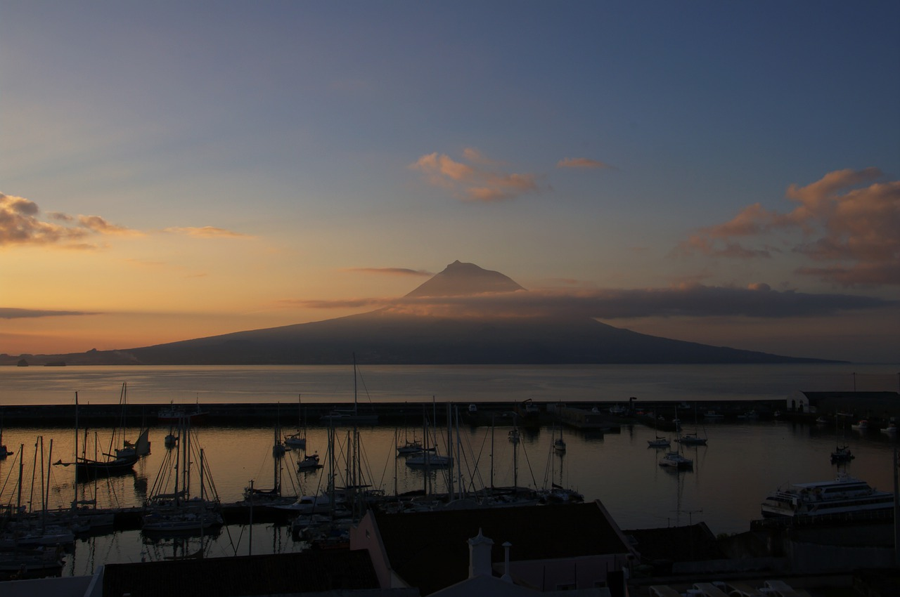 Cheap flights to Pico Island
